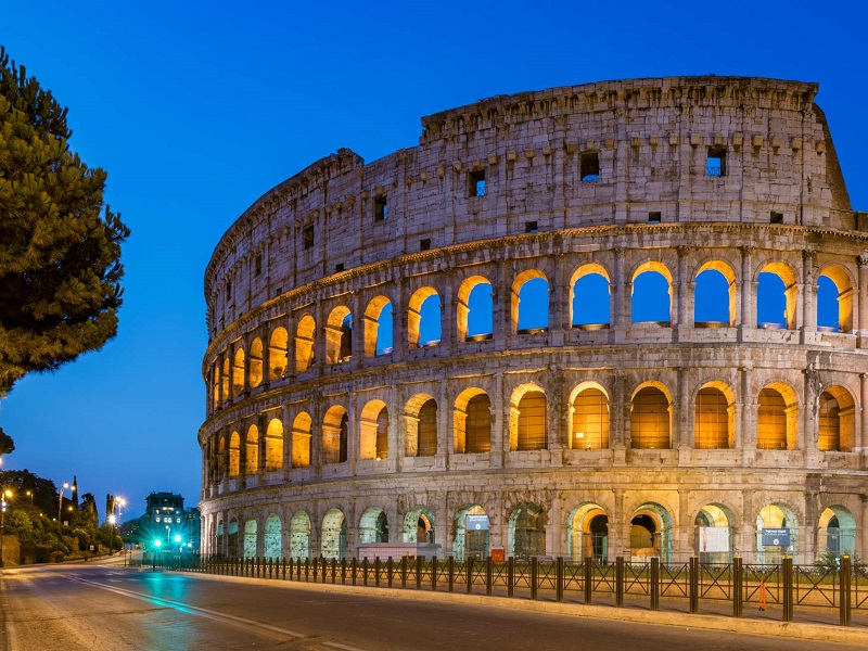Attractions in rome - colosseum